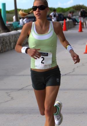 http://www.miamibeach411.com/ee/images/uploads/Anna-Kournikova-triathlon.jpg