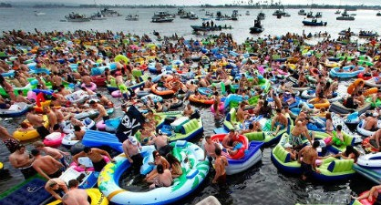 Every Few Months Miamians Go All Floaty Toy Crazy Link Up And Float Around South Beach In An Event Known As Floatopia During This Weekend S Incarnation